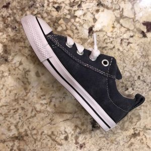 NWT BOYS Converse SNEAKERS